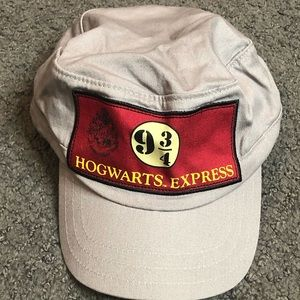 Harry Potter Hogwarts Express 9 3/4 Platform Hat
